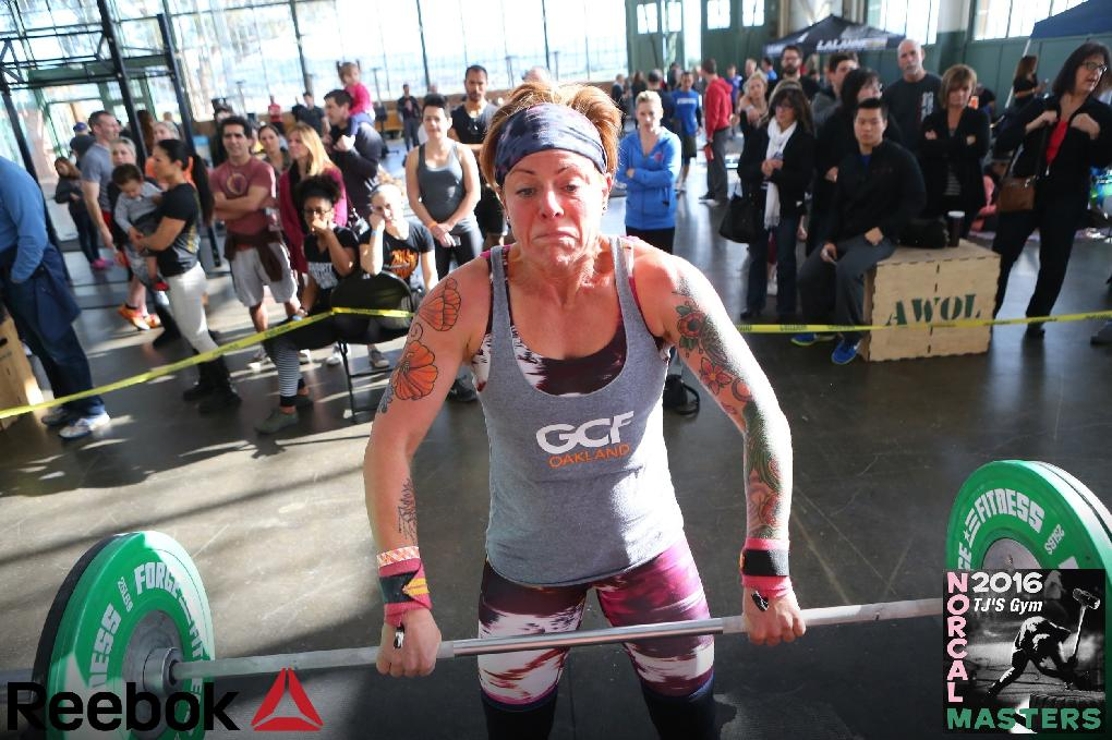 Jennifer competing at a Crossfit competition